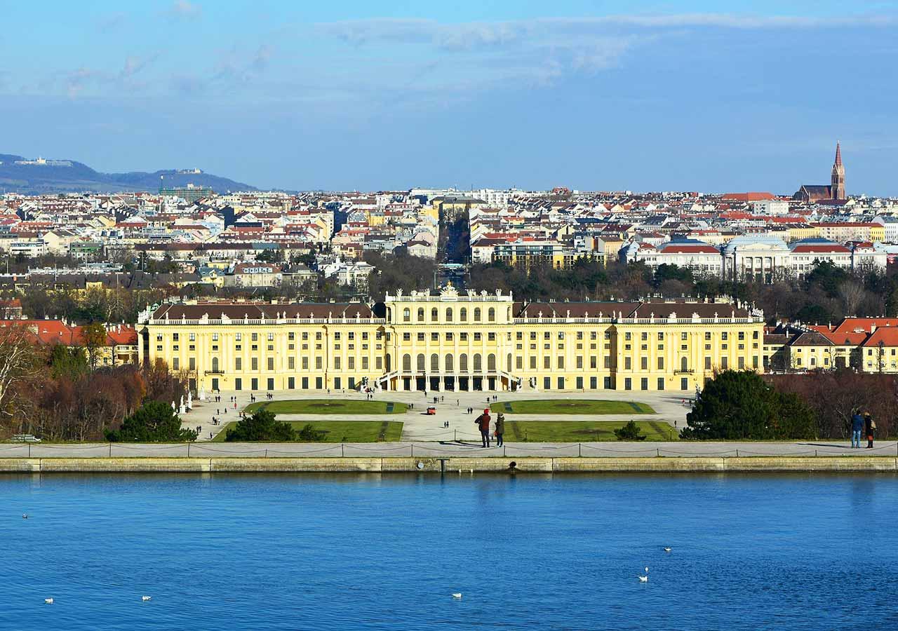 ウィーン観光 シェーンブルン宮殿(Palace and Gardens of Schönbrunn)
