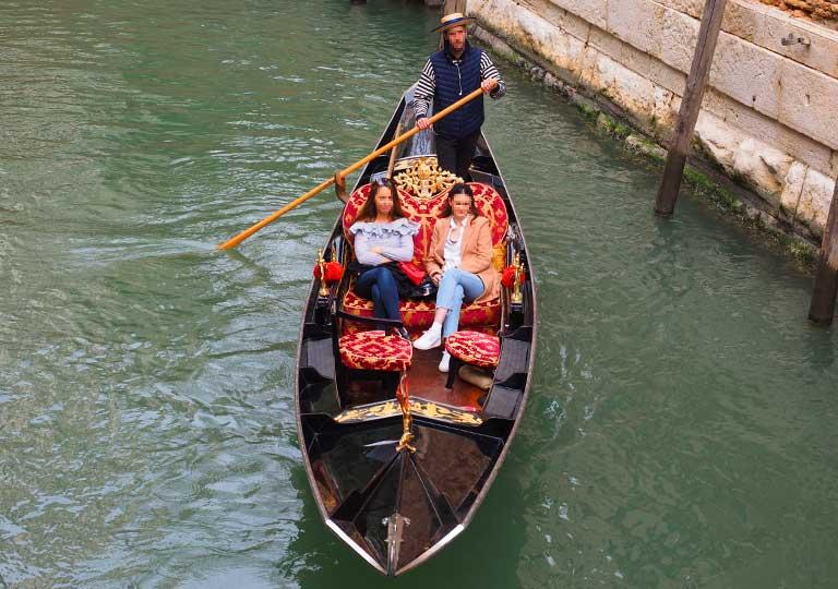 ベネチア観光 ゴンドラ