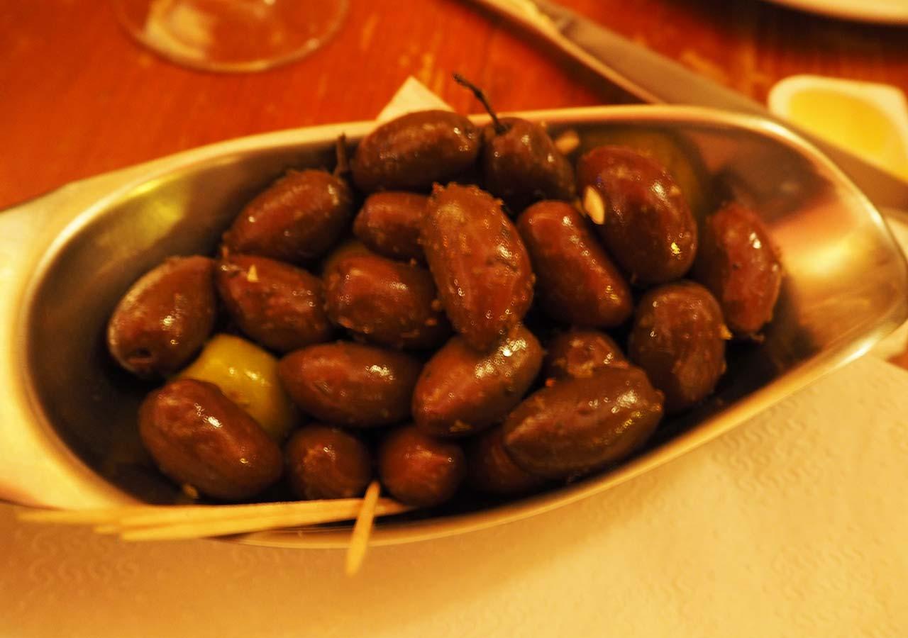 ブリュッセルのおすすめレストラン Fin de Siecle(ファン・ド・スィエークル)のオリーブ