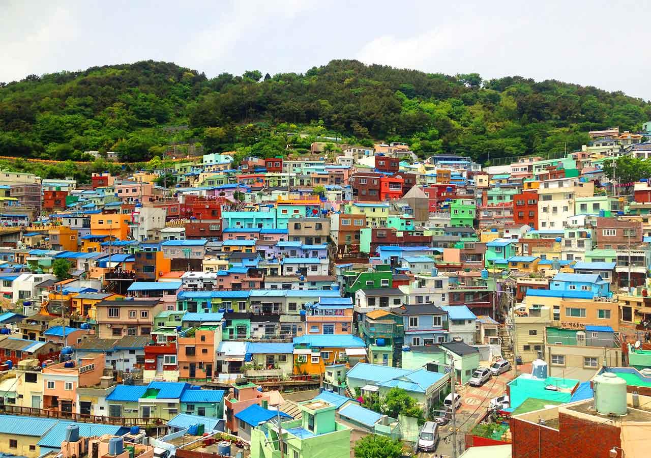 釜山観光 甘川文化村の展望台からの景色