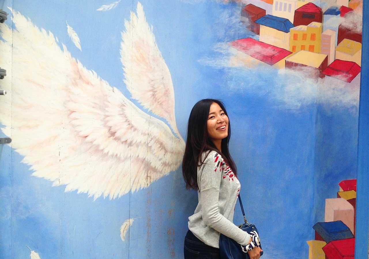 釜山観光 甘川文化村の天使の羽の壁画