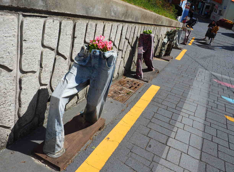 釜山観光 甘川文化村のズボンの花壇たち
