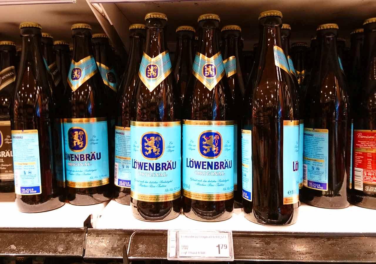 ミュンヘンのお土産 スーパーのビール レーベンブロイオリジナル(Löwenbräu Original)