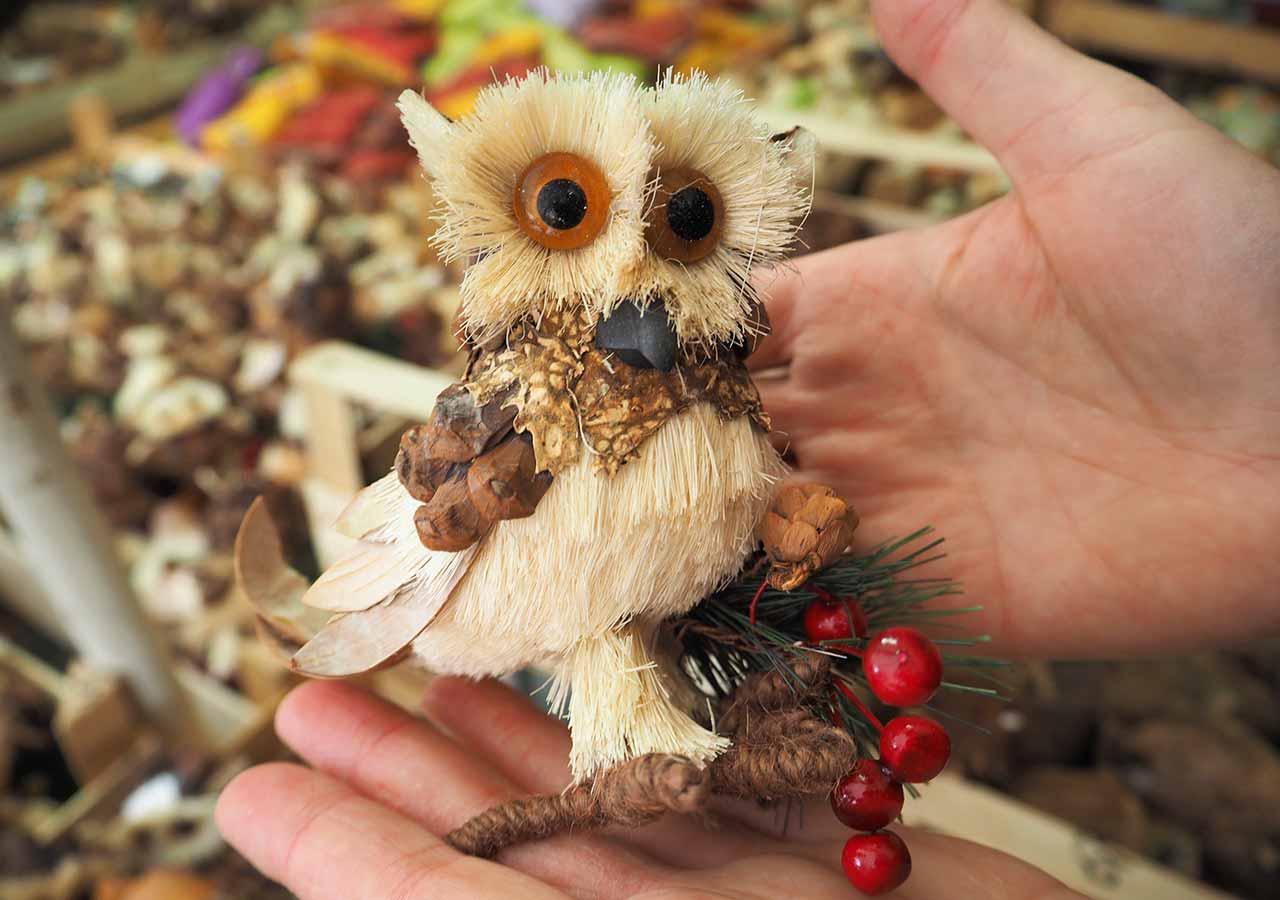 ミュンヘンのお土産 ヴィクトアリエンマルクトの自然素材のアニマル人形