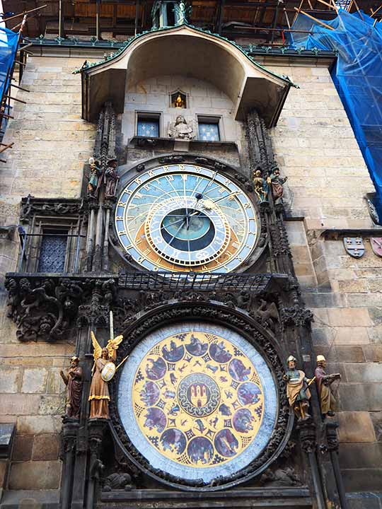 チェコ・プラハのお土産 天文時計グッズ