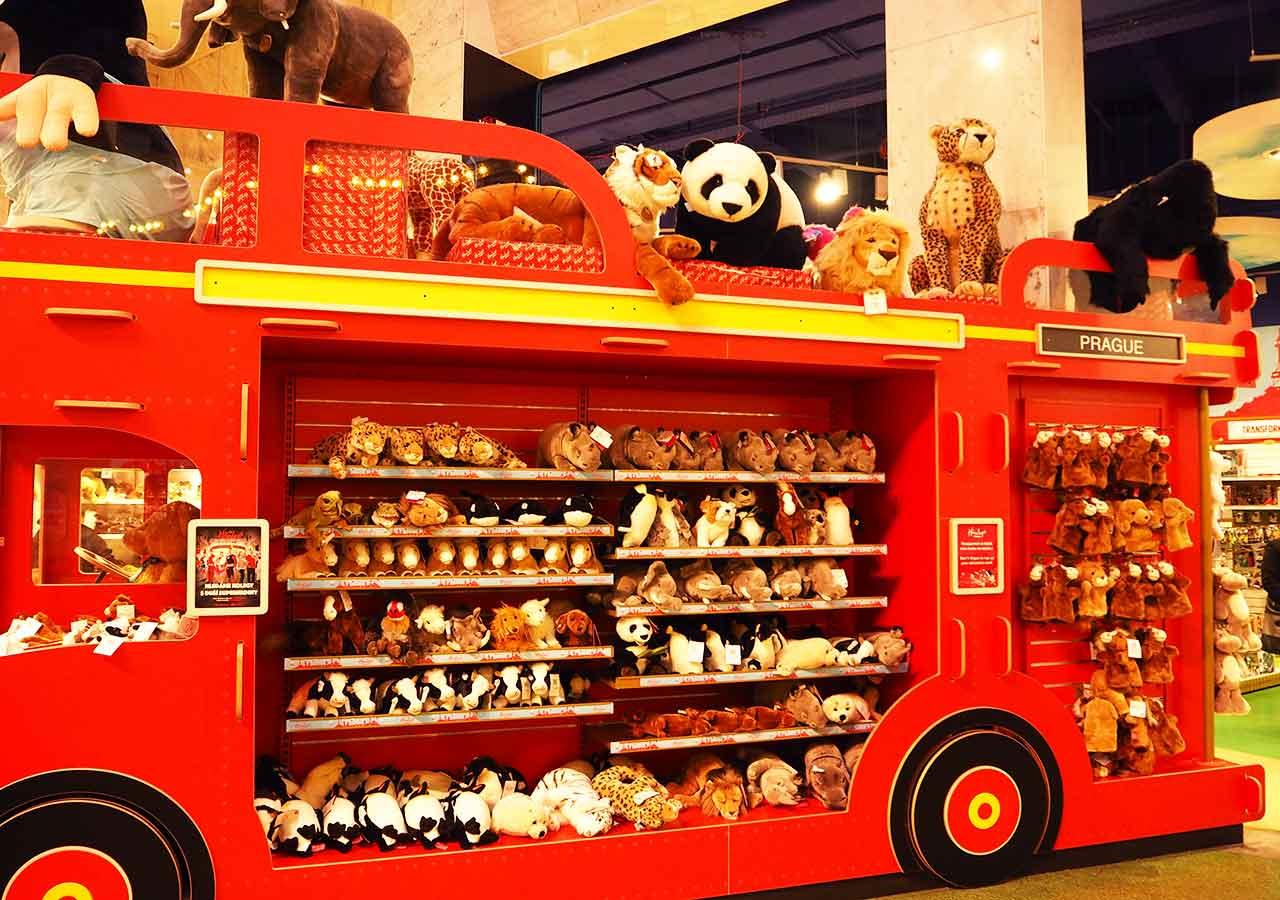 チェコ・プラハのお土産 Hamleysのおもちゃ