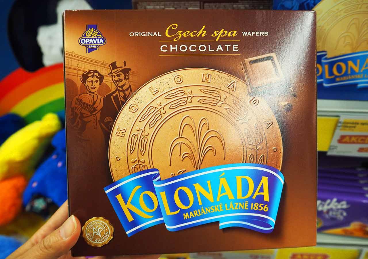 チェコ・プラハのお土産 スーパーのお菓子 コロナーダ(KOLONADA)チョコクリーム