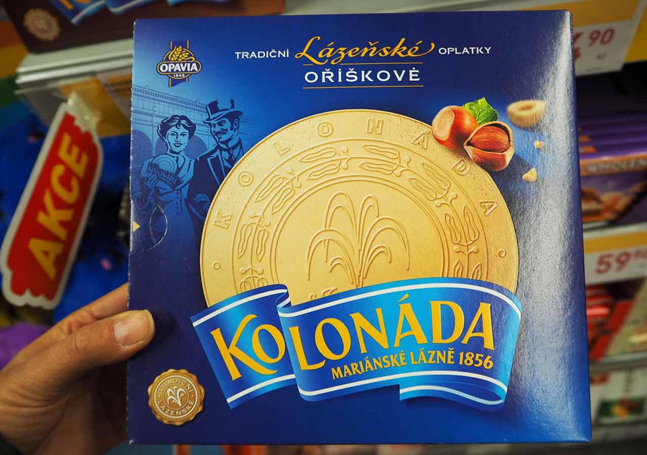 チェコ・プラハのお土産 スーパーのお菓子 コロナーダ(KOLONADA)ヘーゼルナッツクリーム