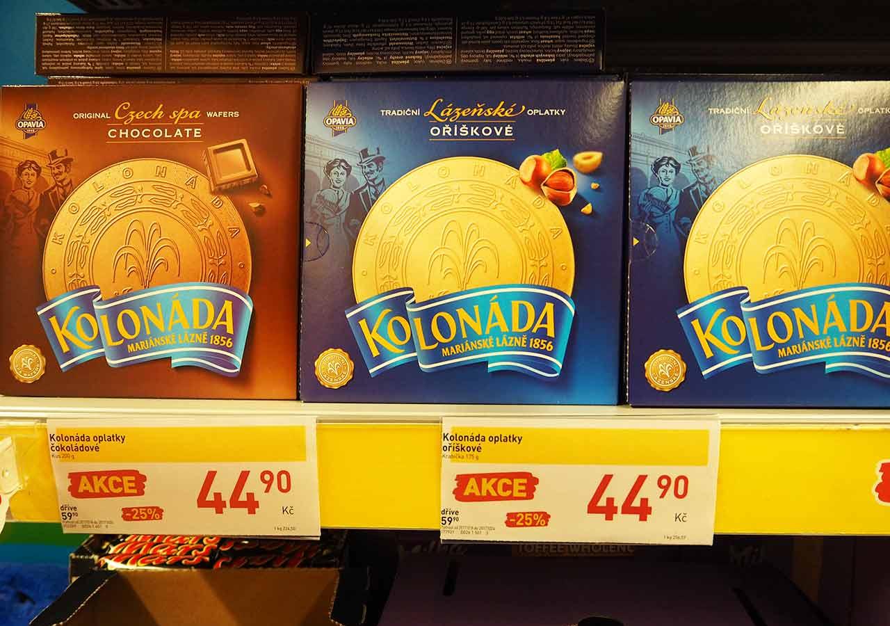 チェコ・プラハのお土産 スーパーのお菓子 コロナーダ(KOLONADA)