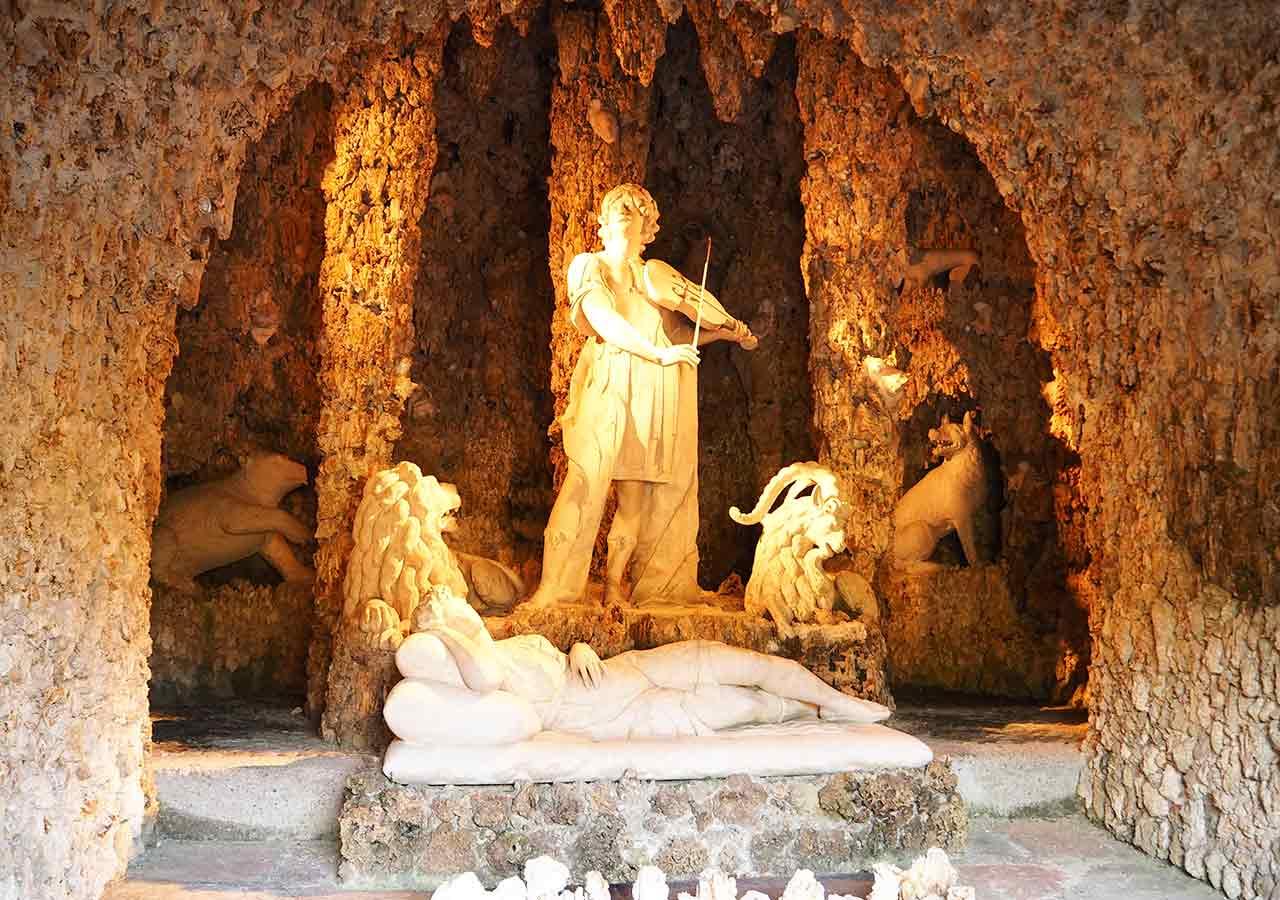 ザルツブルク観光 ヘルブルン宮殿 トリックファウンテン(Trick fountain)の洞窟