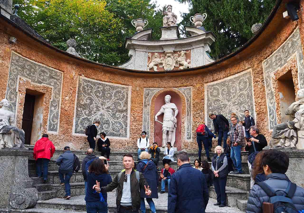 ザルツブルク観光 ヘルブルン宮殿 トリックファウンテン(Trick fountain)