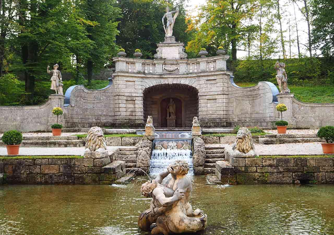 ザルツブルク観光 ヘルブルン宮殿 トリックファウンテン(Trick Fountain)のStar Pond