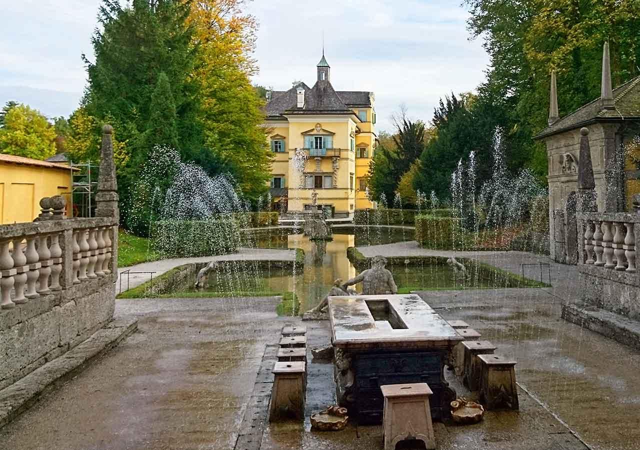 ザルツブルク観光 ヘルブルン宮殿 トリックファウンテン(Trick fountain)のロイヤルテーブル(Royal Table)