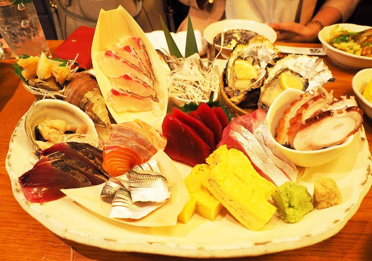 東京観光 池袋の海鮮居酒屋 魚金・池袋店のお刺身六点盛スペシャル