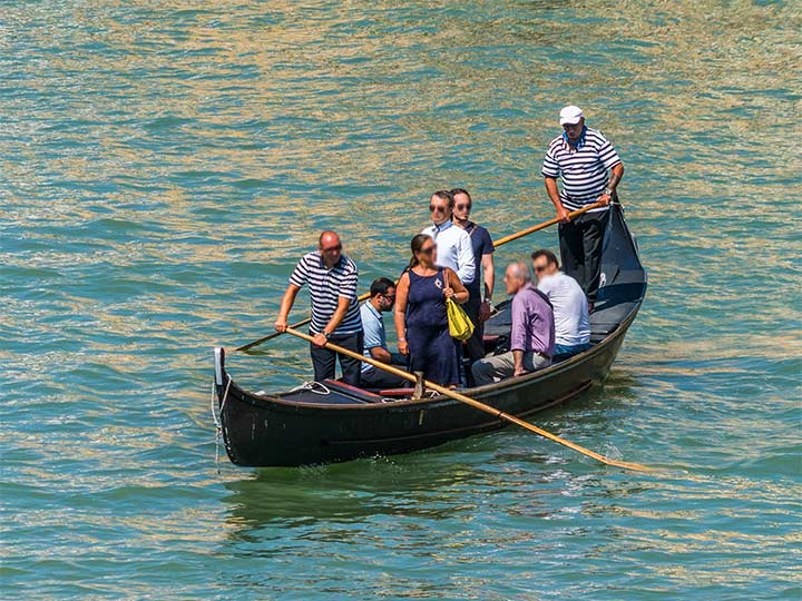 「ベネチアのゴンドラが2ユーロ!?超安い予約なしで乗れるゴンドラはこれ!」 トップ画像