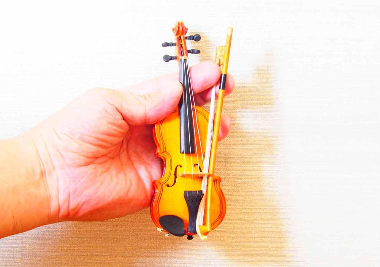 オーストリア・ウィーンのお土産 音楽系雑貨 ミニバイオリン