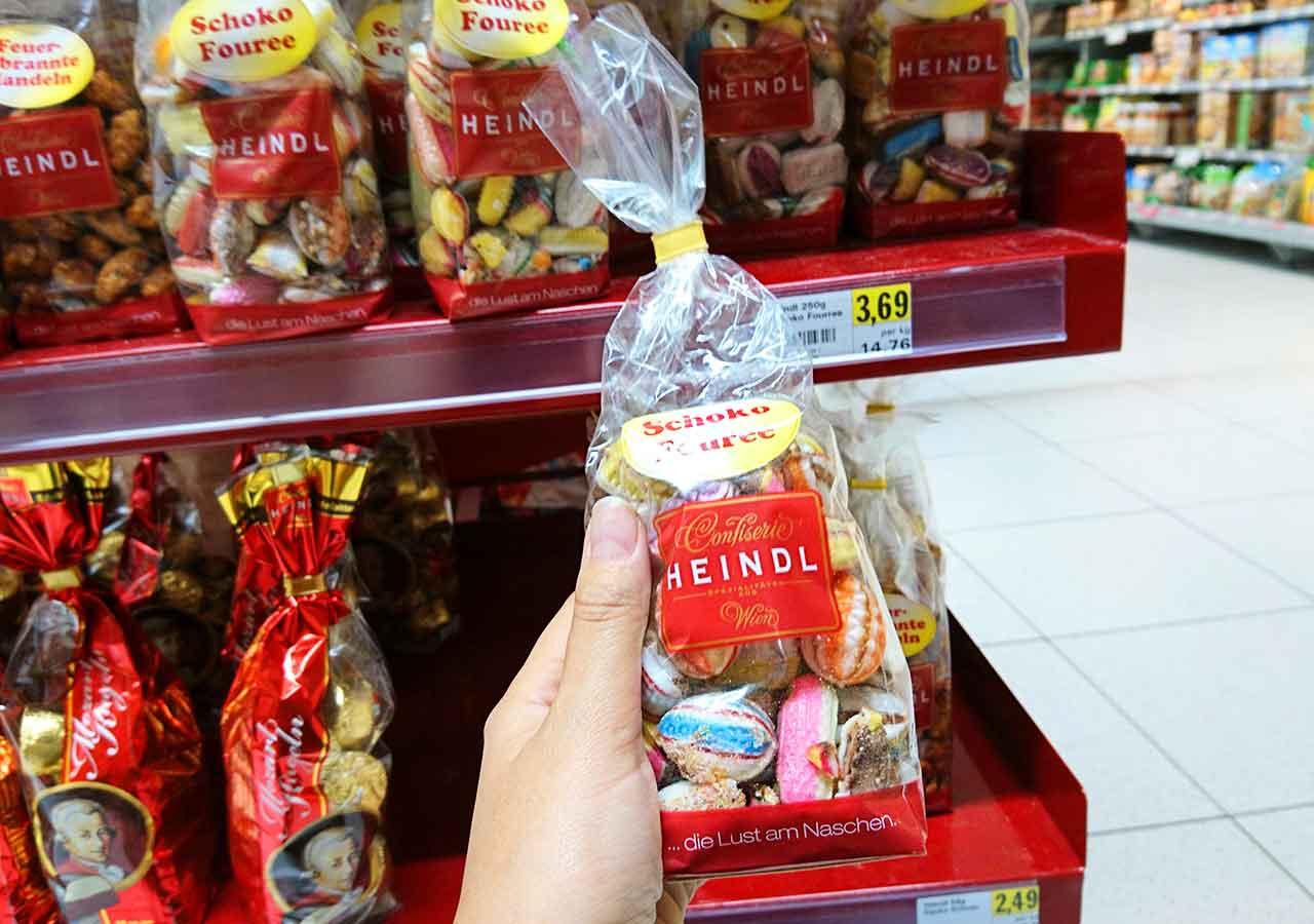 オーストリア・ウィーンのお土産 スーパーのSchoko Fouree(チョコレートキャンディ)