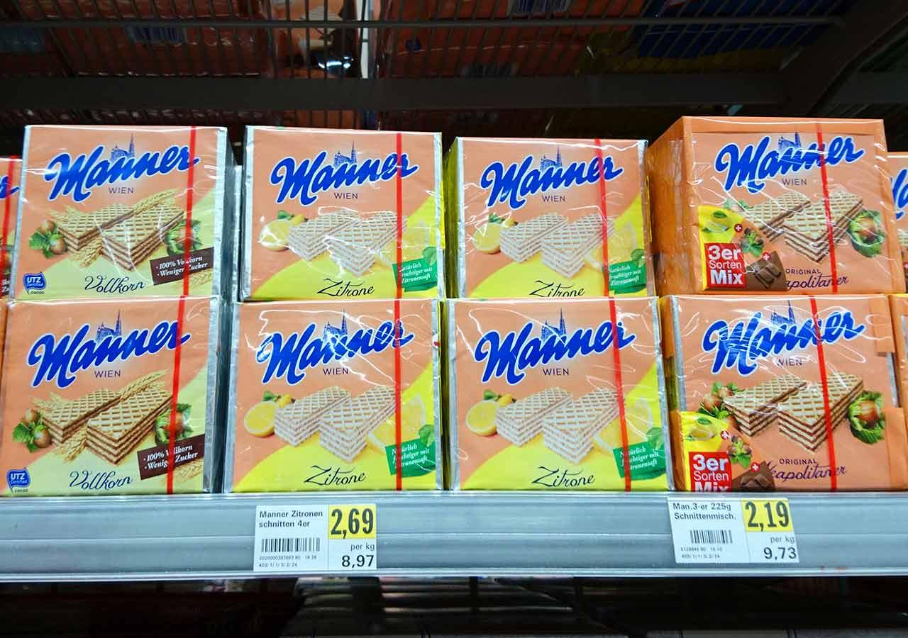 オーストリア・ウィーンのお土産 スーパーのマンナーのウエハース(Manner Waffeln)