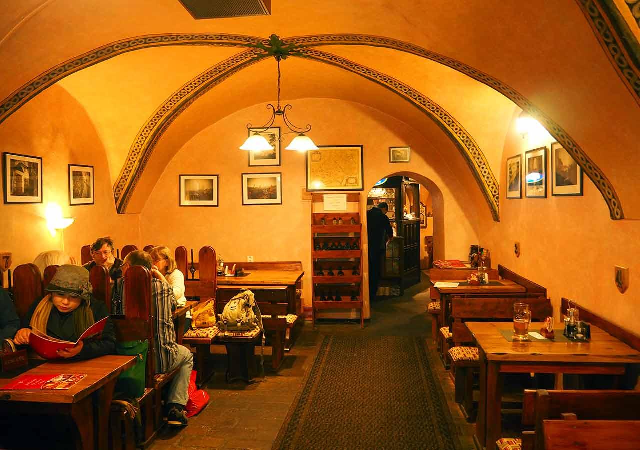 チェスキークルムロフ観光 レストランボヘミア(Restaurant Bohemia)
