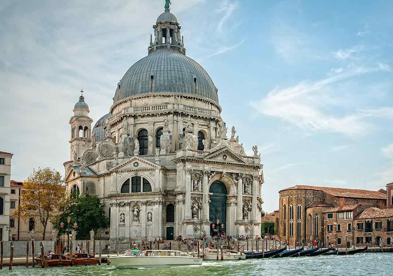 イタリア旅行の準備 教会での服装に注意