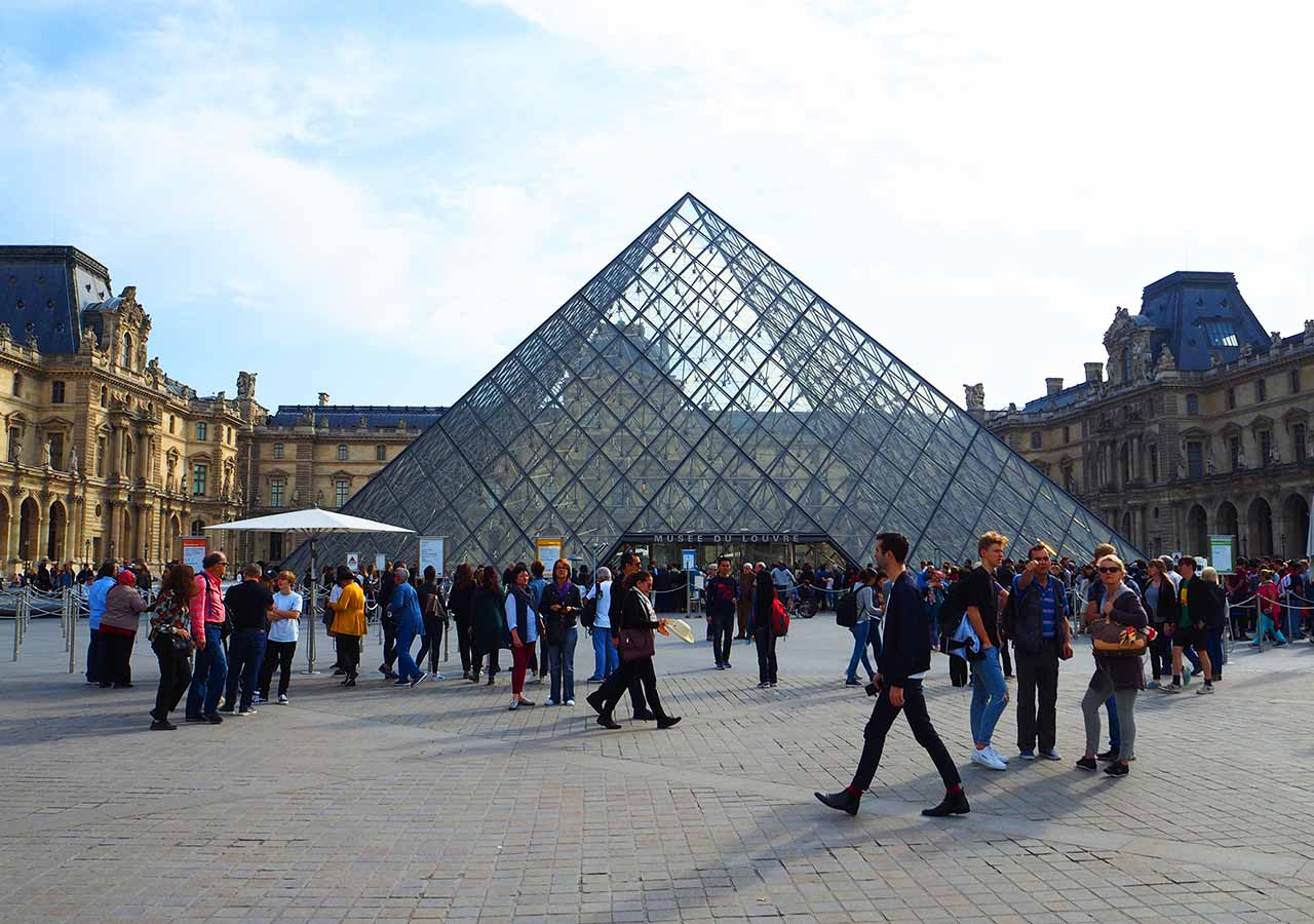 パリ観光 ルーブル美術館