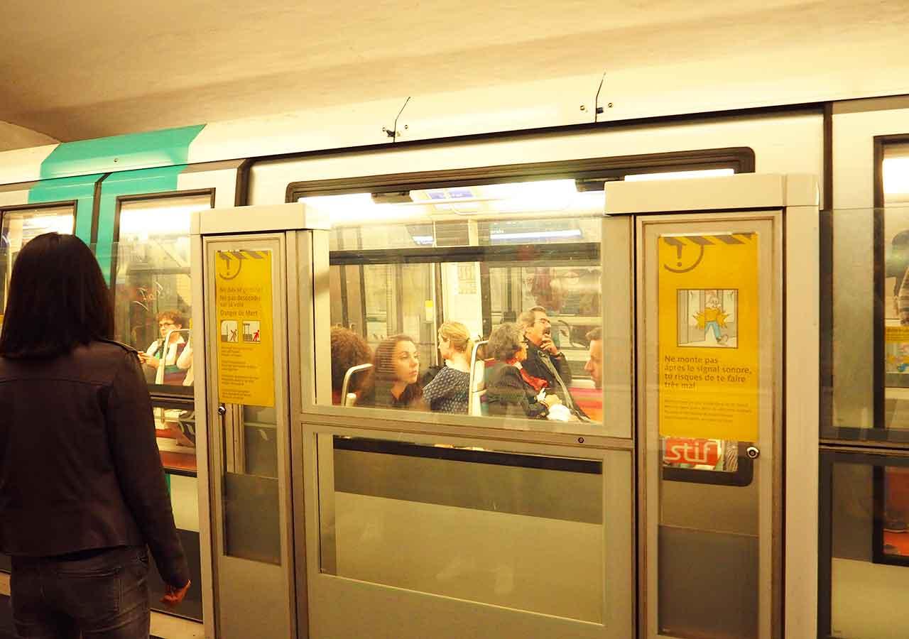 パリ観光 パリの地下鉄(メトロ)の乗り方