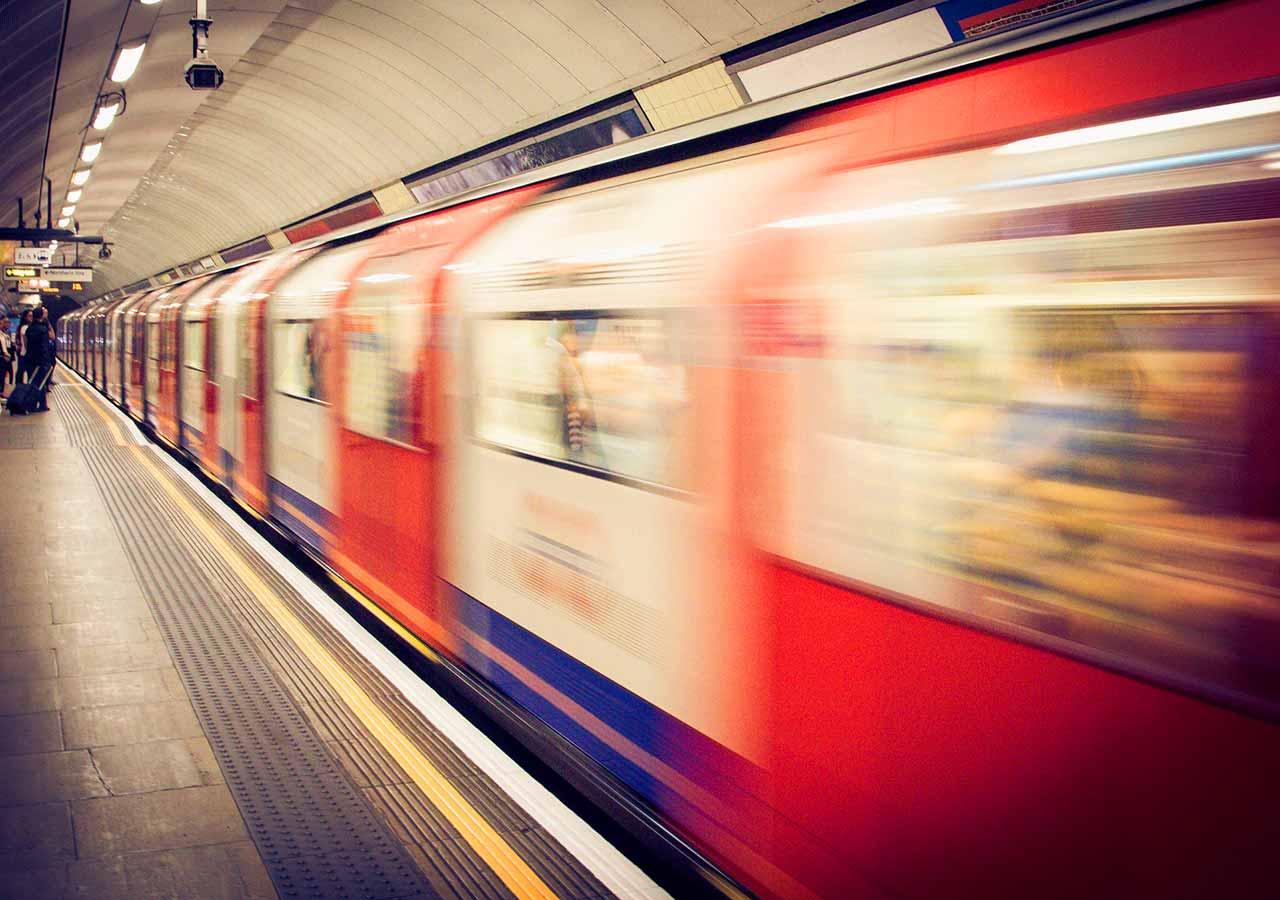 旅行で使える英語フレーズ 電車の画像