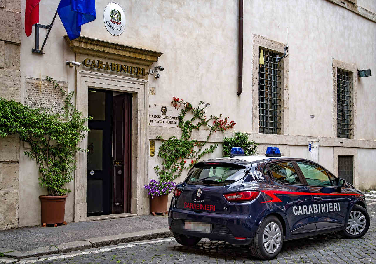 イタリア旅行 注意すべきこと カラビニエリ
