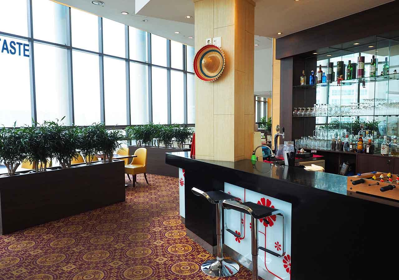釜山・西面(ソミョン)エリアのホテル イビスアンバサダー釜山シティセンター 展望レストラン「Taste」
