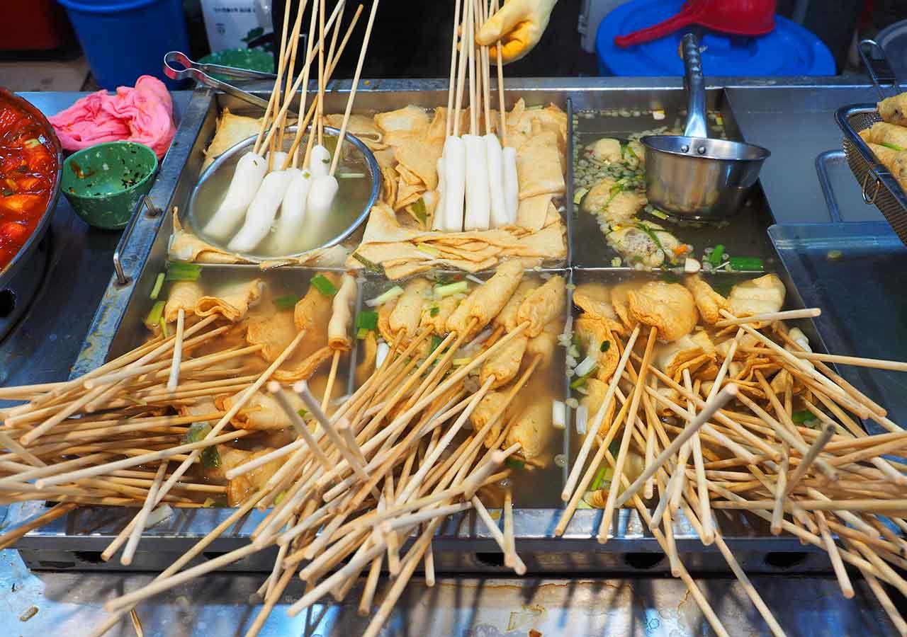 釜山観光 南浦洞(ナンポドン) 国際市場(クッチェシジャン)の食堂 おでん