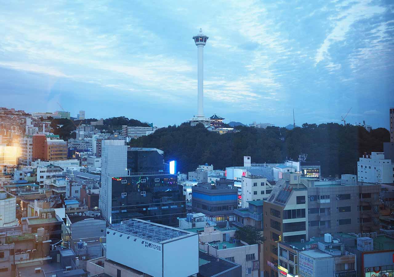 釜山・南浦洞のおすすめホテル スタンフォードイン釜山 客室から見える釜山タワー