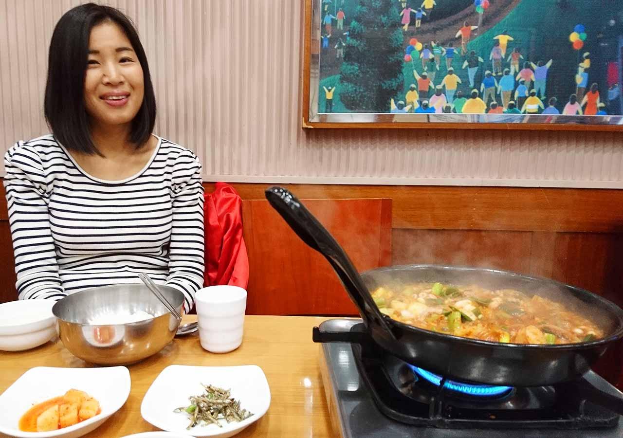 釜山の西面グルメ ナクチポックンのお店「ケミチプ」 Ena