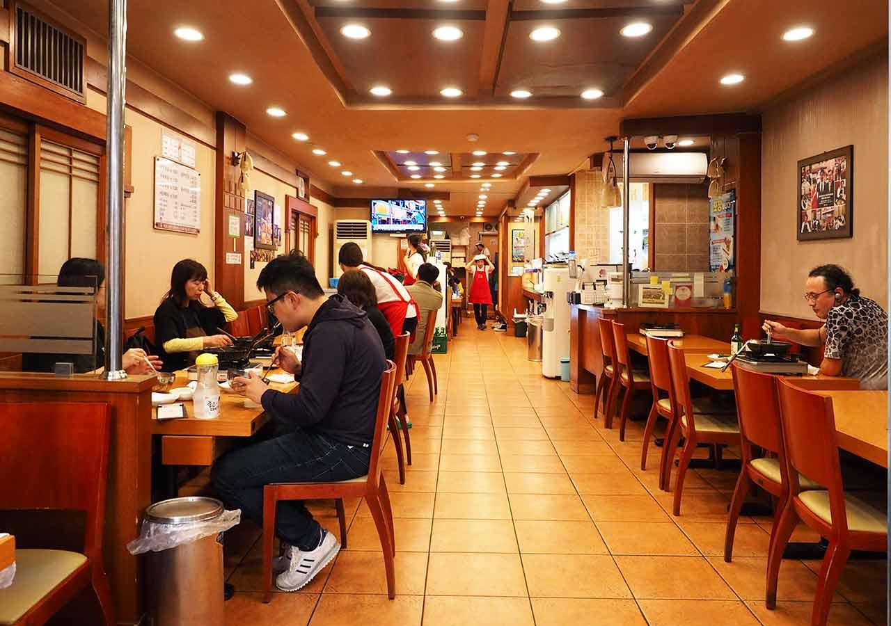 釜山の西面グルメ ナクチポックンのお店「ケミチプ」 店内