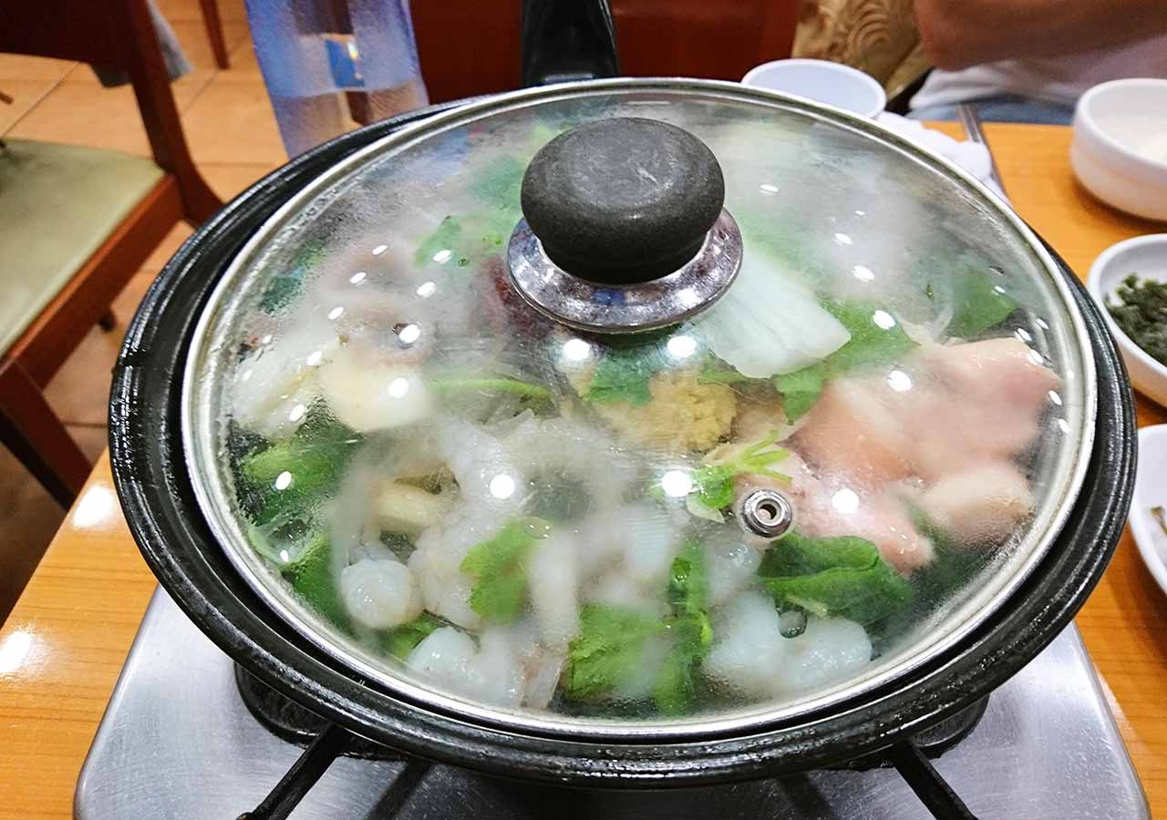 釜山の西面グルメ ナクチポックンのお店「ケミチプ」 調理前のナクチポックン