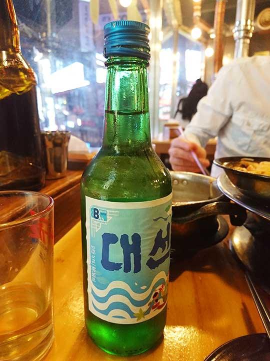 釜山の西面グルメ ナクチポックンのお店「ケミチプ」 ソジュ