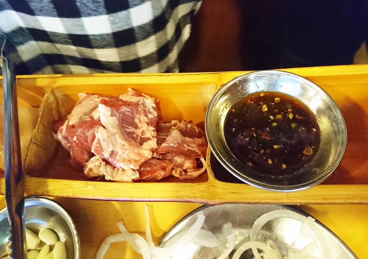 釜山の西面グルメ サムギョプサルレストラン 무한한판8.8 ハラミ