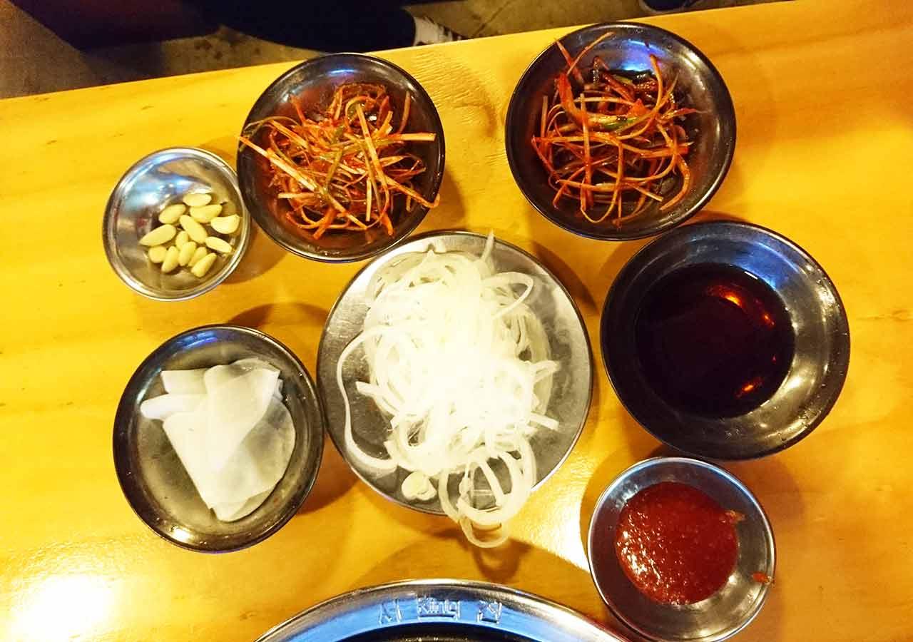 釜山の西面グルメ サムギョプサルレストラン 무한한판8.8 小料理