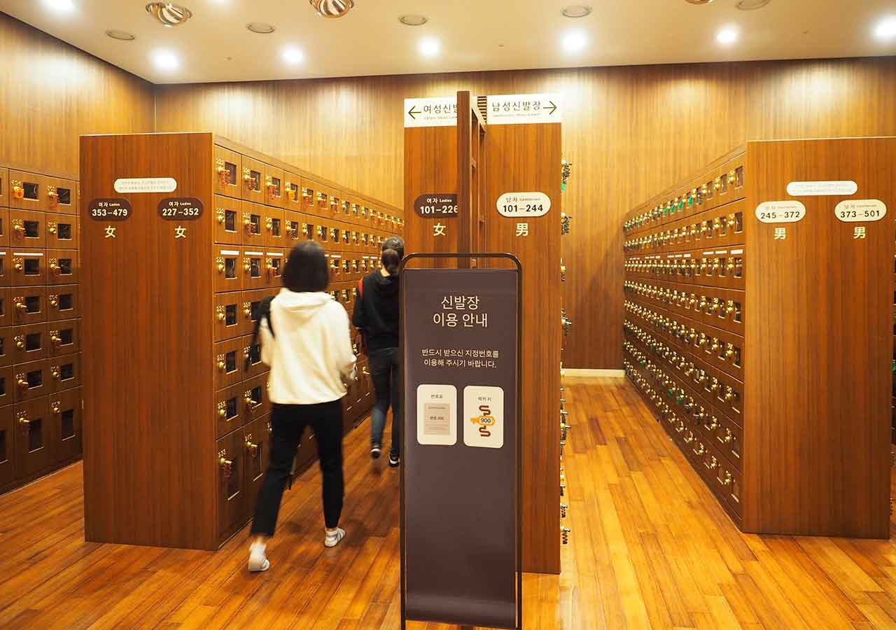 釜山観光 新世界スパランド 靴箱