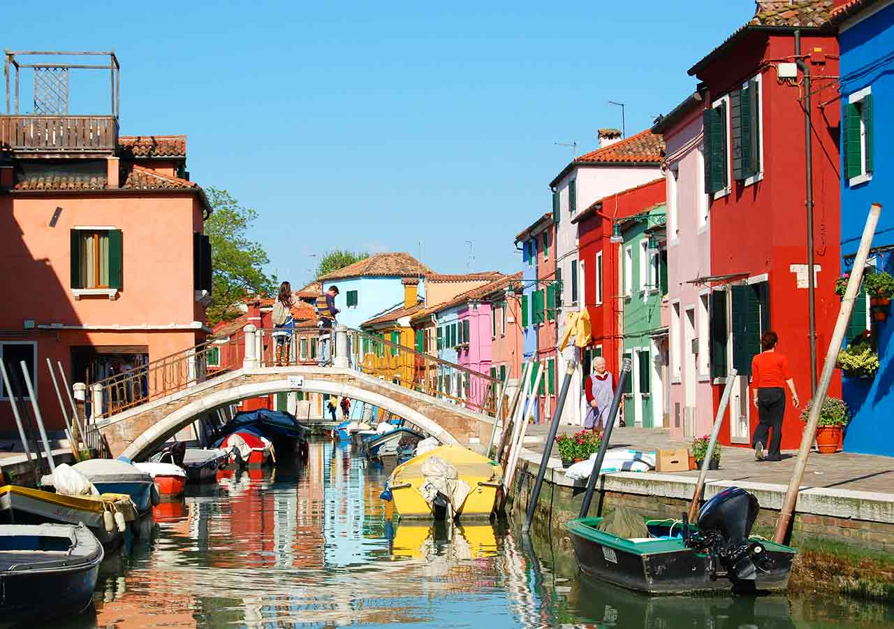 ベネチアの離島ブラーノ島 ブラーノの街並み
