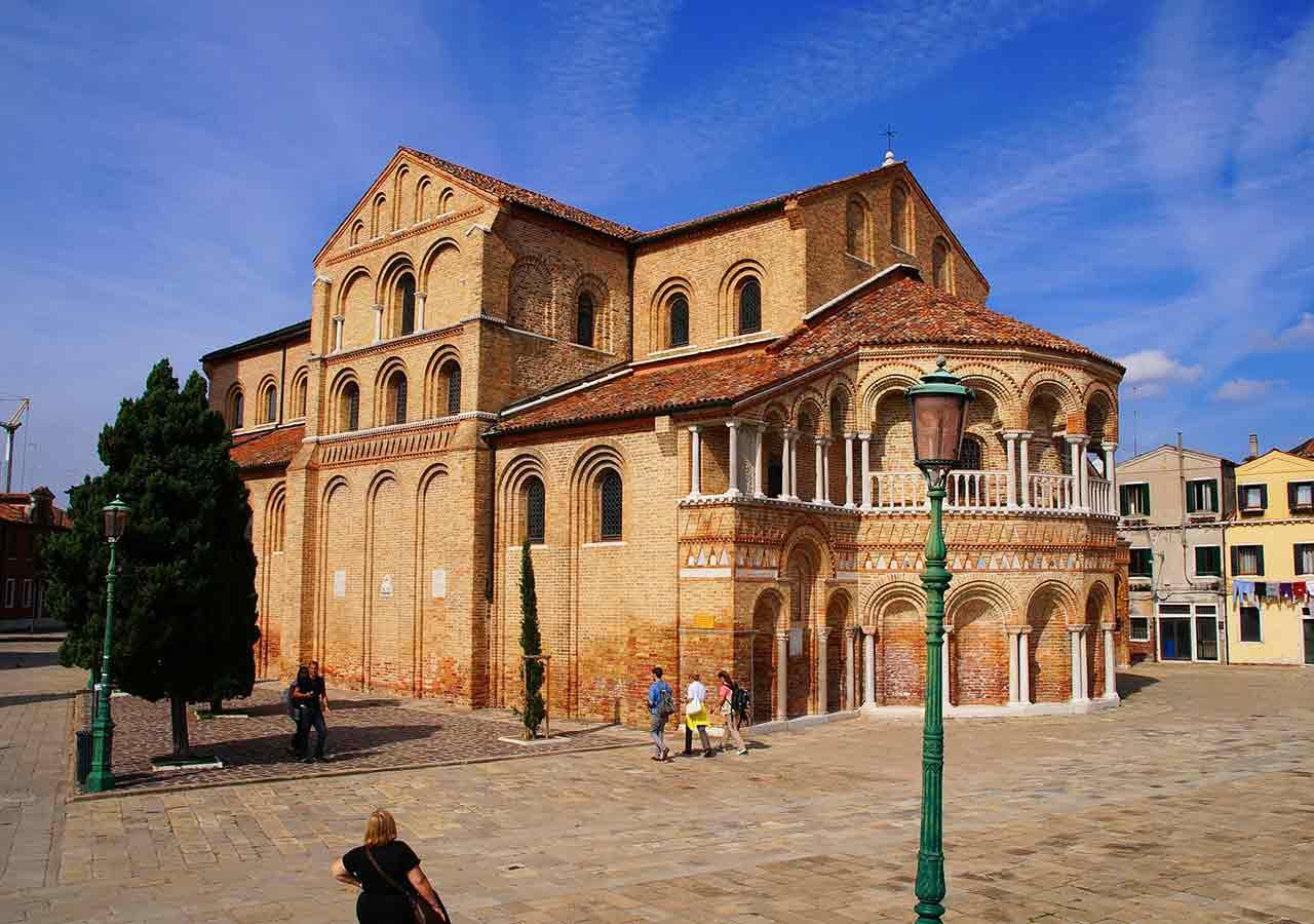 ベネチアの離島ムラーノ島 サンタ・マリア・エ・ドナート教会(Duomo di santa maria e donato)
