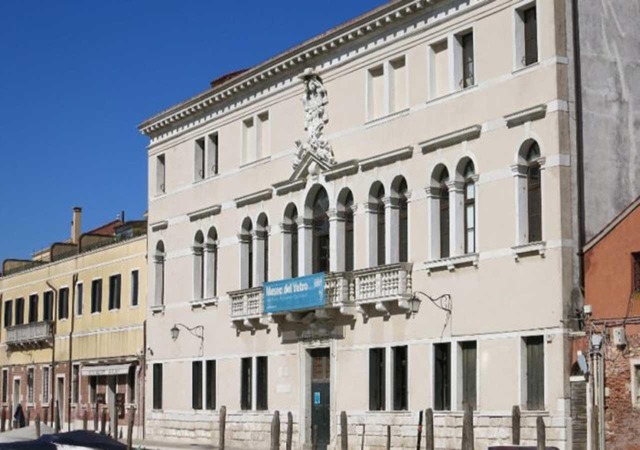 ベネチアの離島ムラーノ島 ガラス博物館