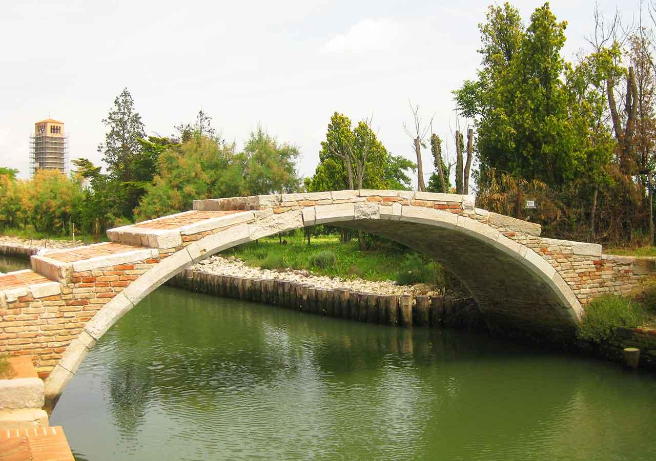 ベネチアの離島トルチェッロ島 悪魔の橋 (Ponte del Diavolo)