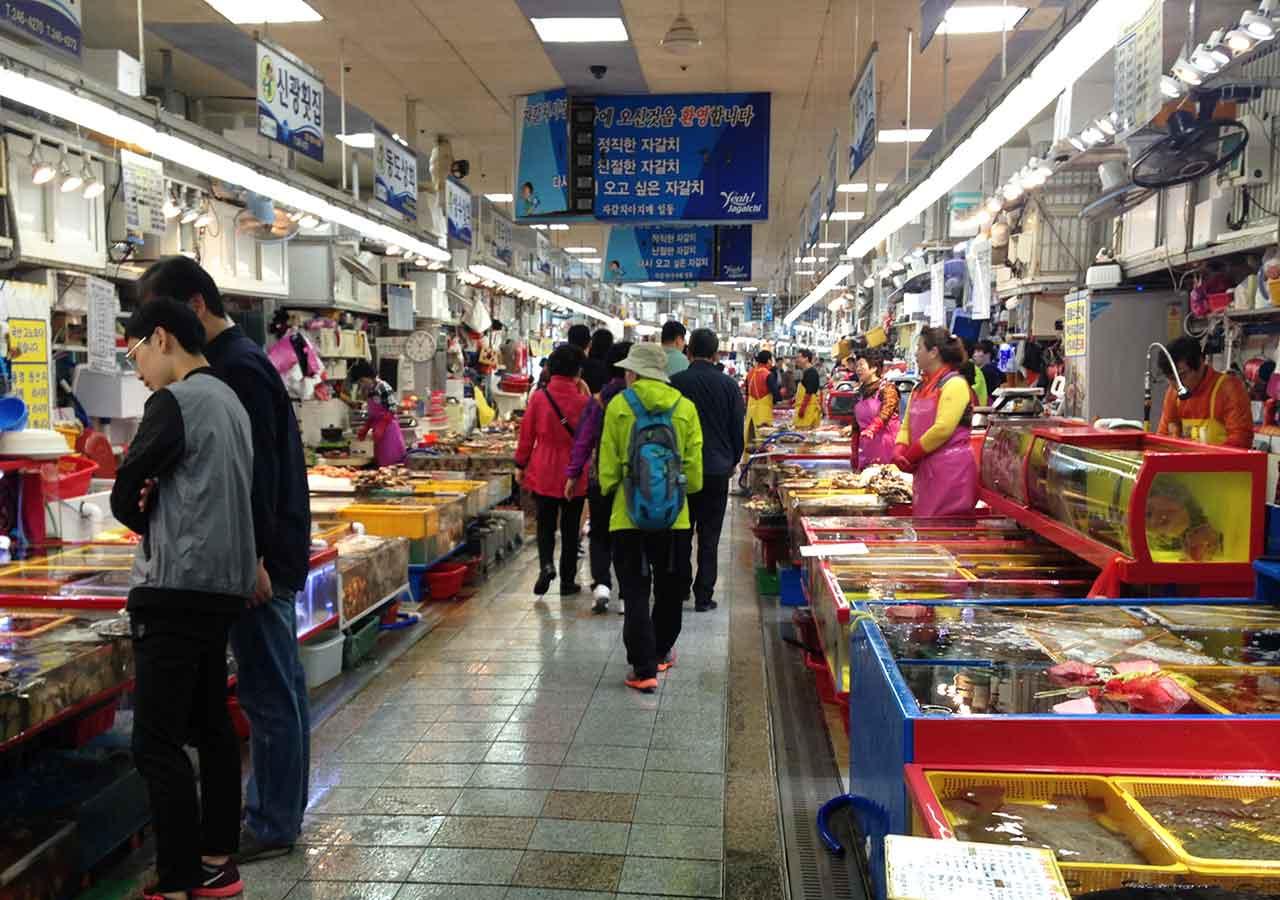 釜山観光 チャガルチ市場 建物内