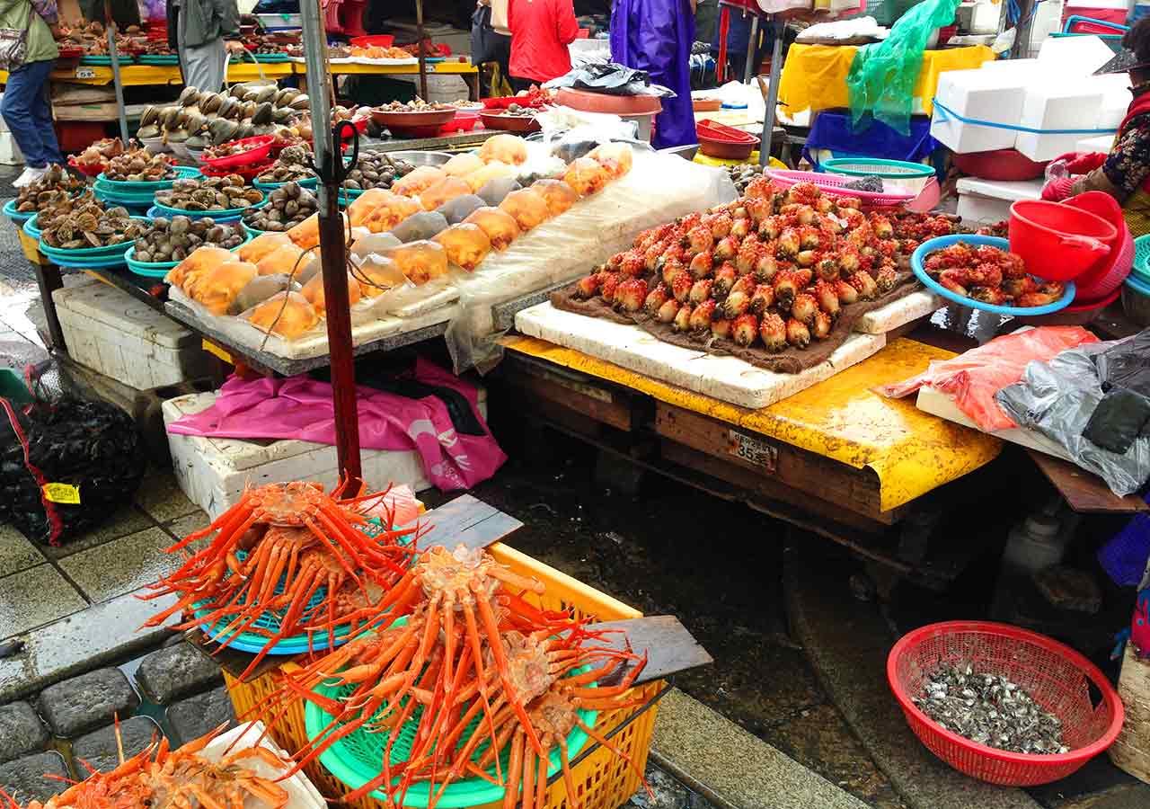 釜山観光 チャガルチ市場 野外の水産市場