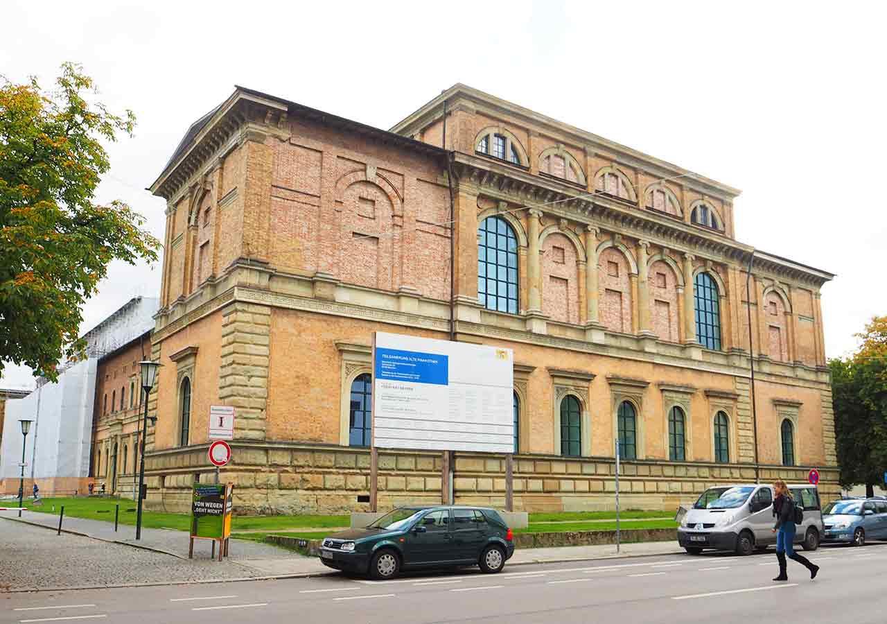 ミュンヘン観光 おすすめカフェ ミュンヘン工科大学の行き方 アルテ・ピナコテーク(Alte Pinakothek)