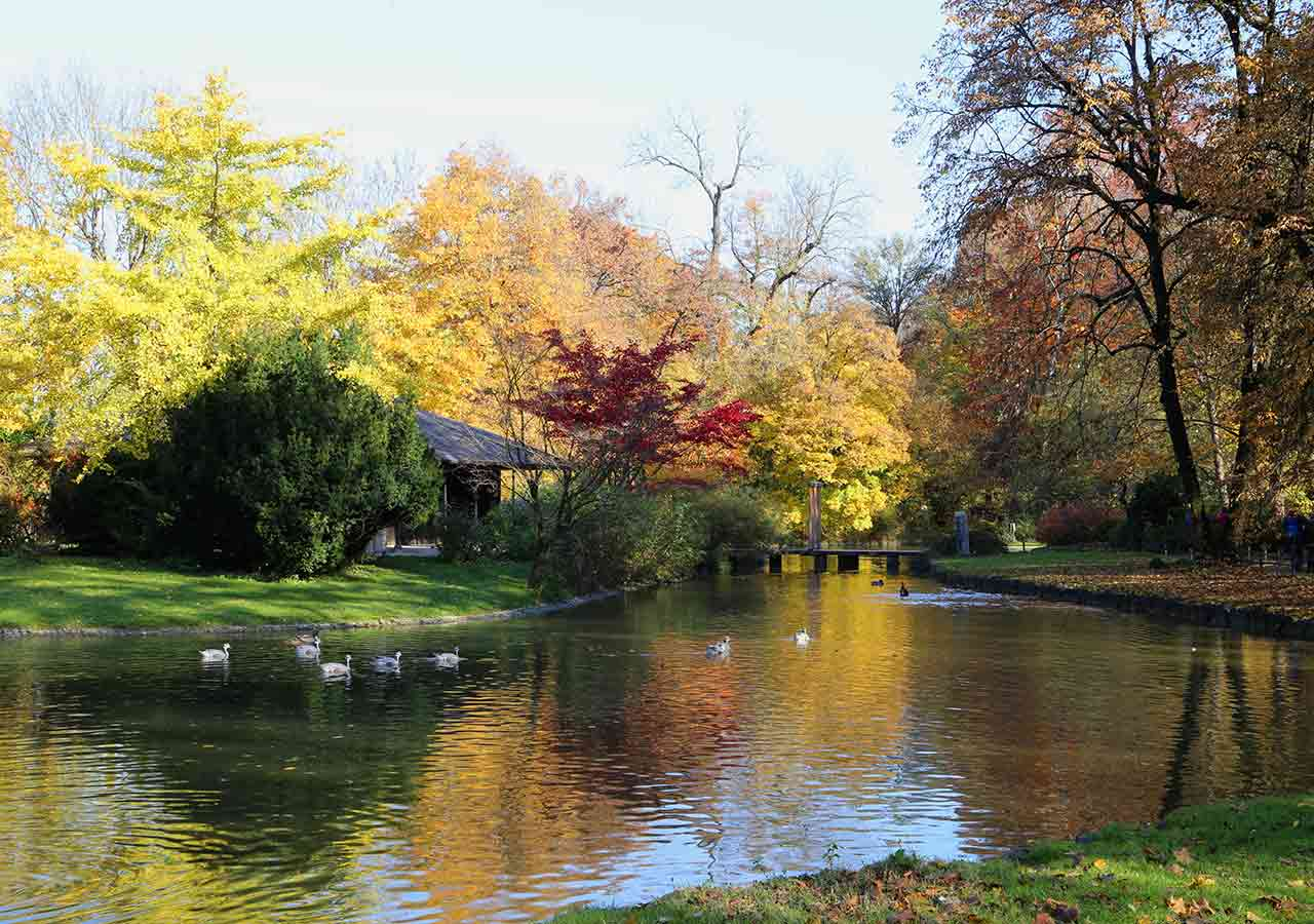 ミュンヘン観光 エングリッシャーガルテン(Englischer Garten) 日本式茶室(Japanese Teehaus)
