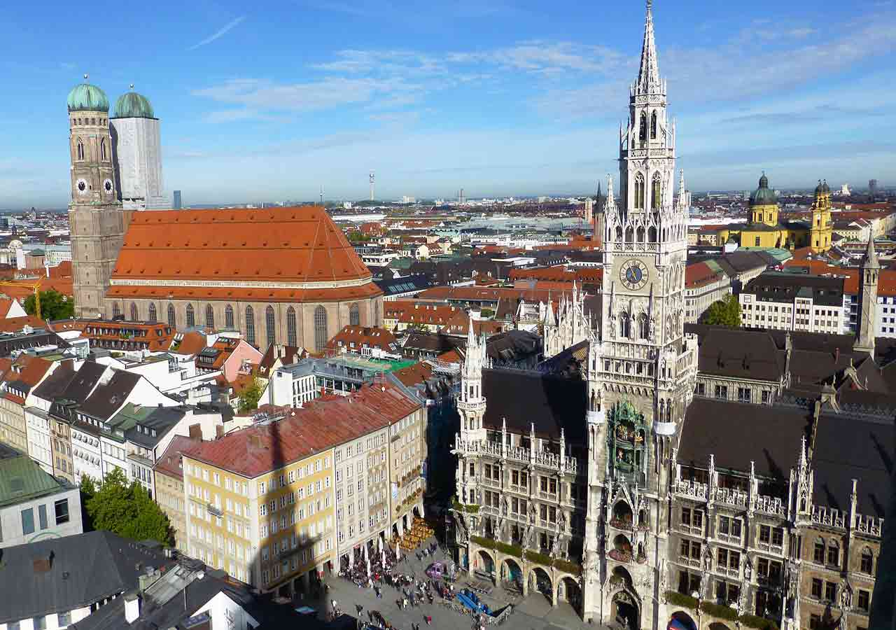 ミュンヘン観光 マリエン広場(Marienplatz) 聖ペーター教会(Alter Peter)からのパノラマ