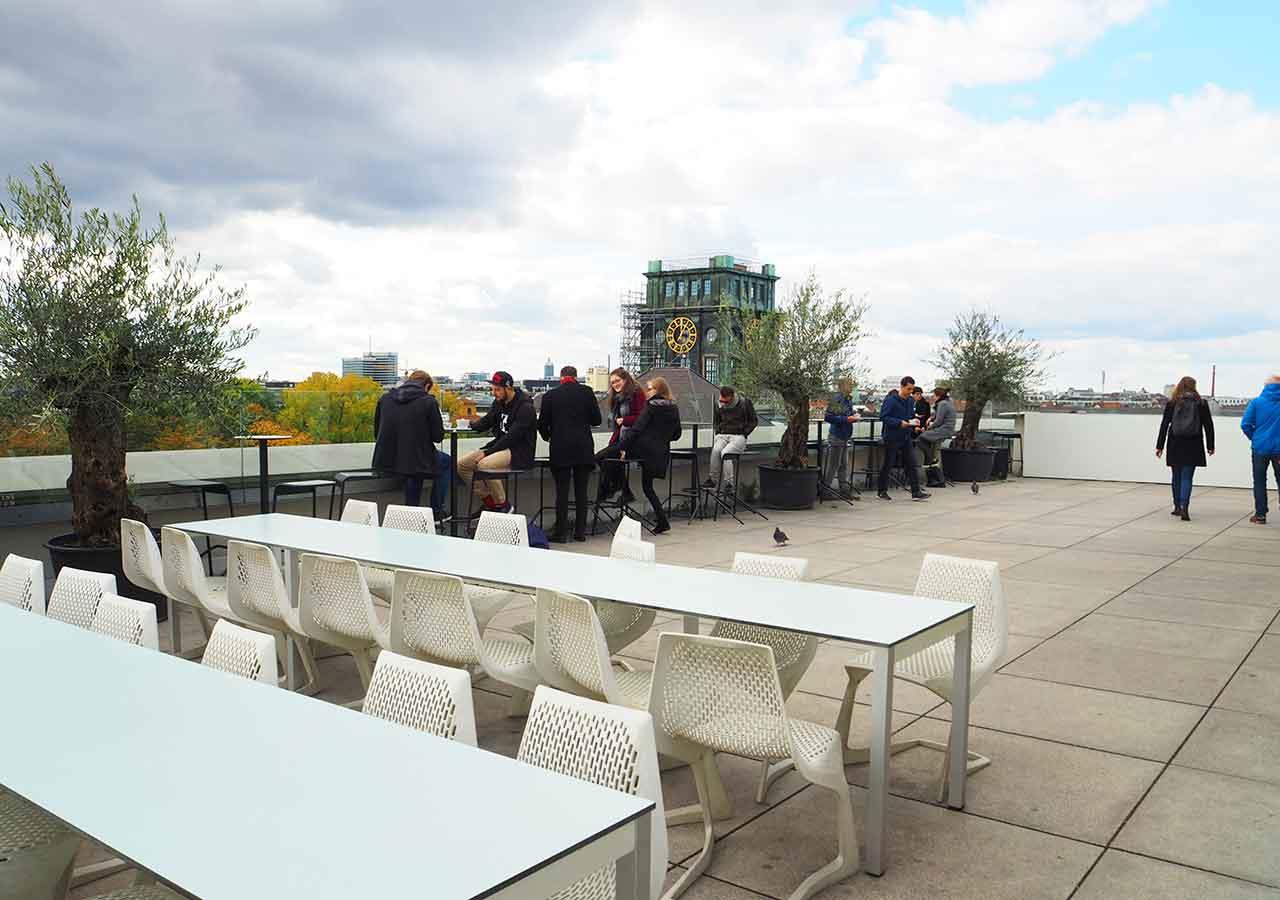 ミュンヘン観光 おすすめカフェ ミュンヘン工科大学の展望カフェVorhoelzer Forum