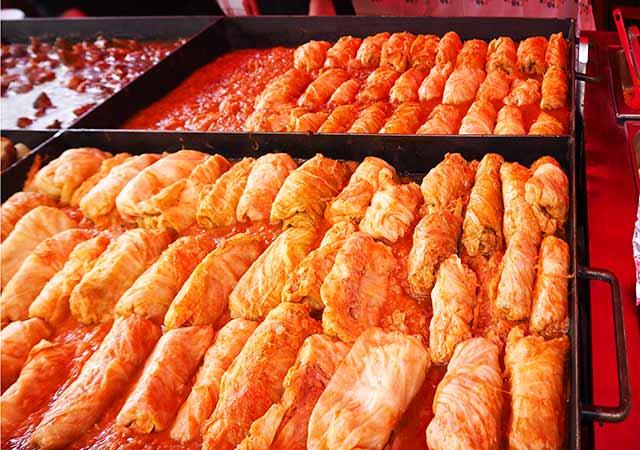 ミュンヘン観光 ヴィクトアリエンマルクト(Viktualienmarkt) ハンガリー料理 トルトットカーポスタ