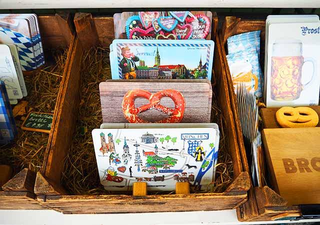 ミュンヘン観光 ヴィクトアリエンマルクト(Viktualienmarkt) お土産屋さん ランチョンマット